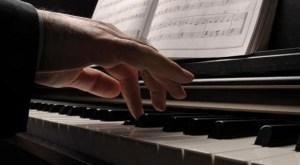 """""""musik religi banyak yang dibuat hanya karena momentum, bukan keikhlasan."""""""