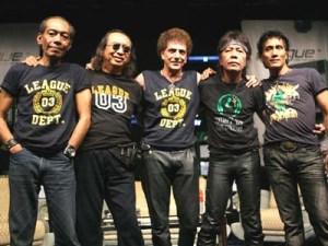 """""""god bless, tak mendadak rock untuk bisa menjadi legenda di Indonesia"""""""
