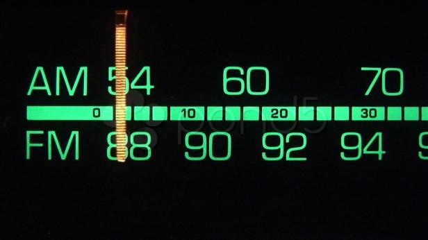 Radio Itu Harusnya Menciptakan Tren, Bukan Malah Mengekor Tren Radio Lain!
